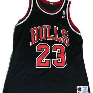 Champion Jordan Bulls Jersey size 44 Black Red